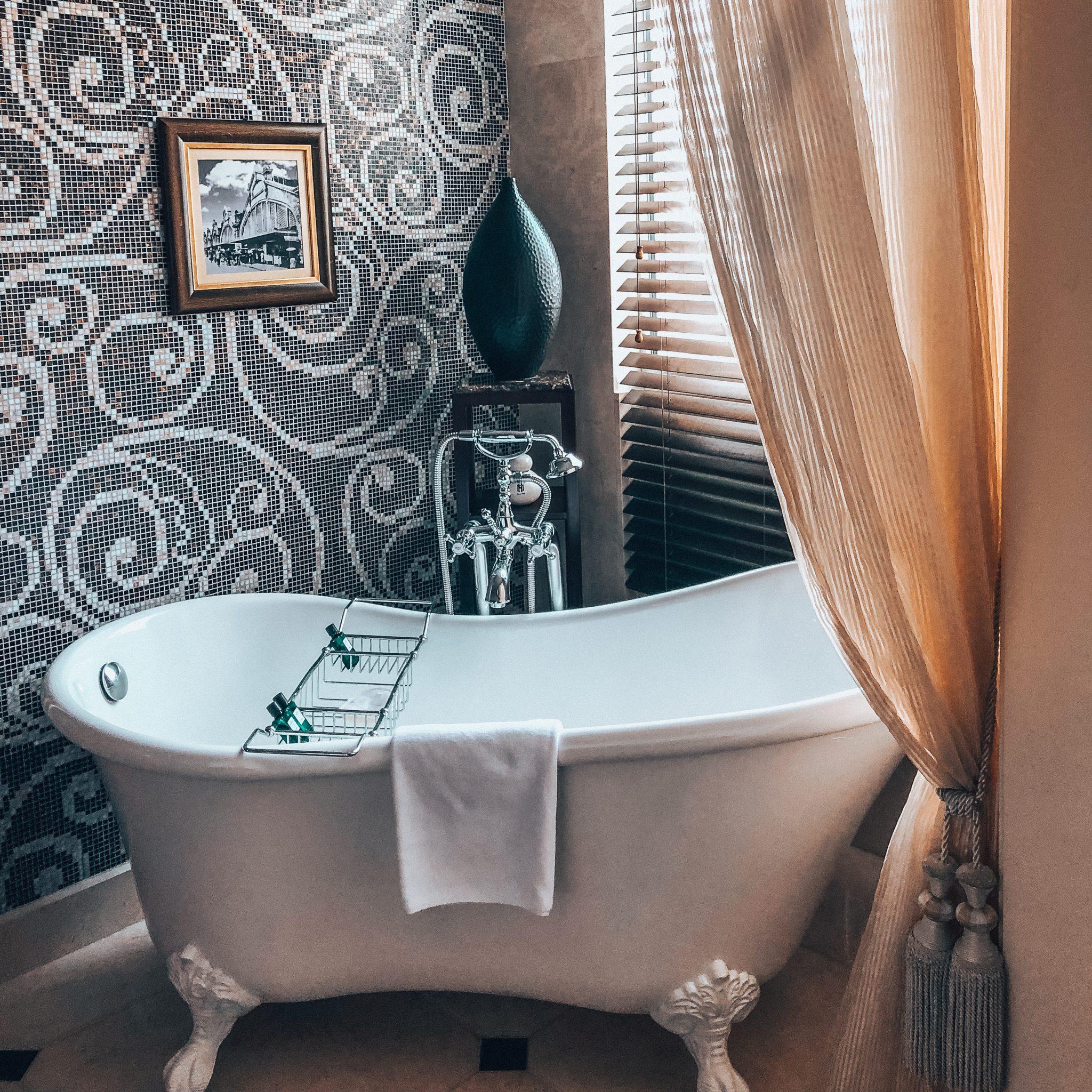 luxury hotel Hanoi